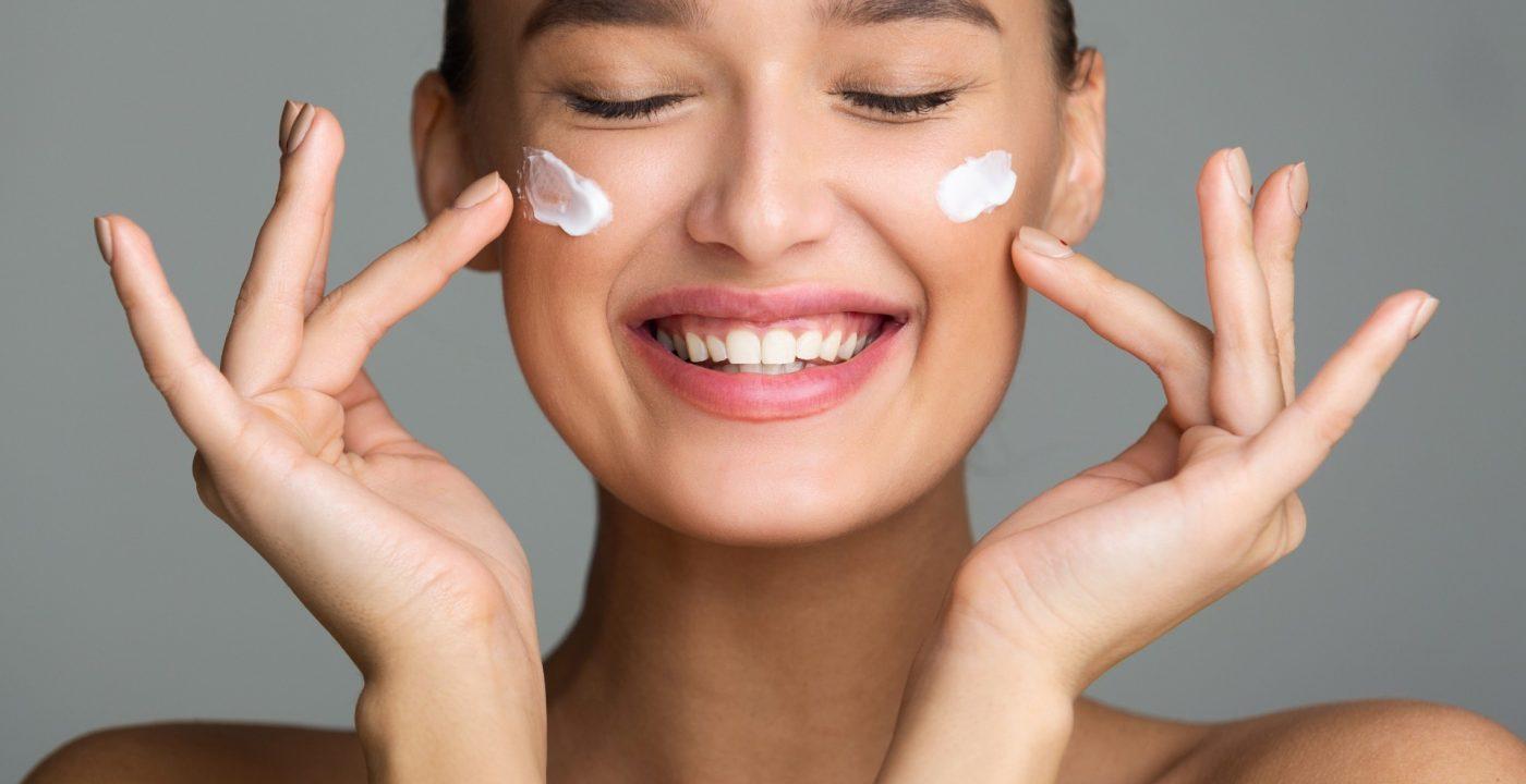 Kwas mlekowy chociaż jest jednym z popularniejszych składników stosowanych w kosmetyce, ciągle jest mocno niedoceniany!